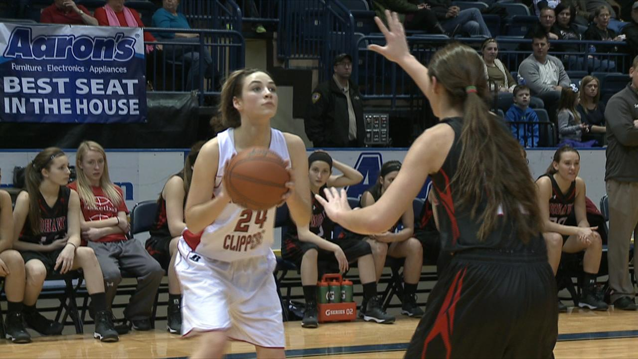 Lady Clippers Cruise Past Mohawk