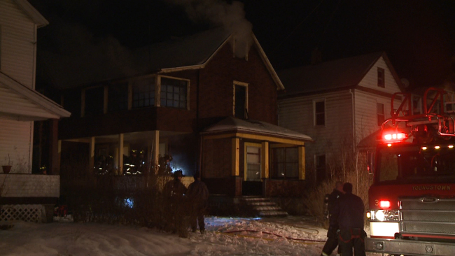 Hartzell Avenue fire in Youngstown_26240
