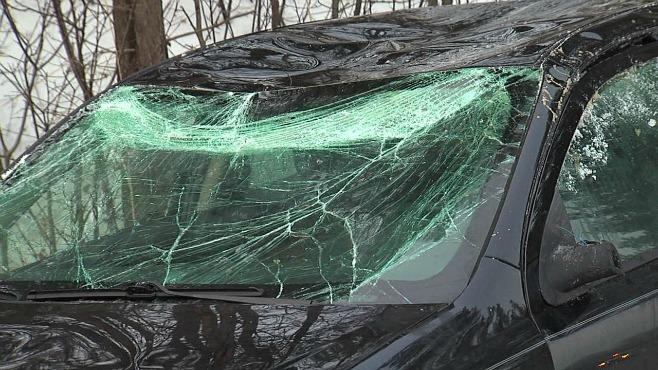 Accident 680 car flips Austintown_29935