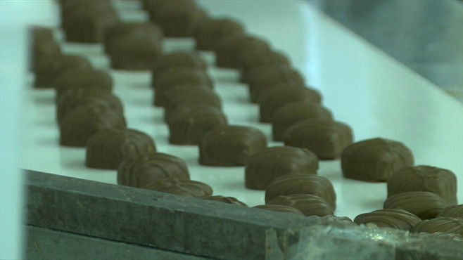 Giannios Candy in Struthers gears up for sweet season_30406
