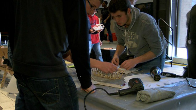 YSU holds annual bridge building competition_32665