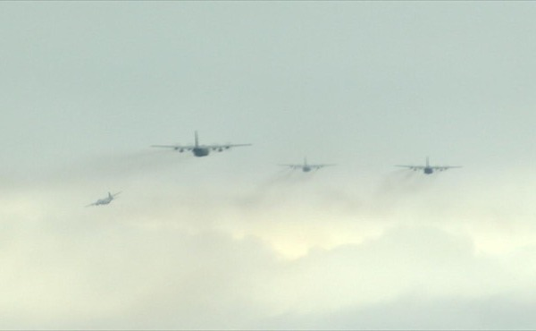 C-130 formation_49900