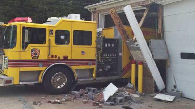 Bazetta Twp. firefighter drives through fire building_52129