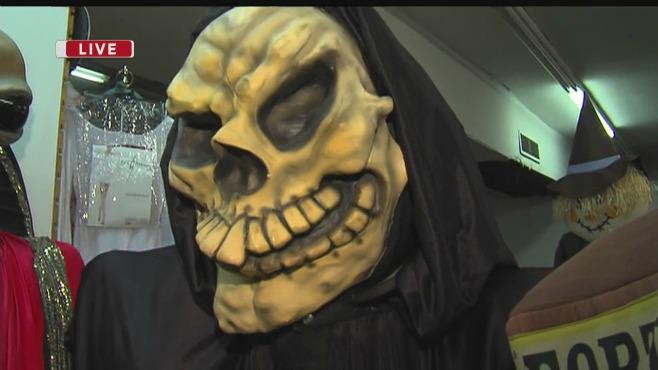 niles-ohio-wards-costume-shoppe_56434