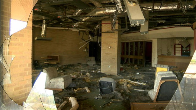 Trumbull County leaders put commitment to fight blight on paper_55745