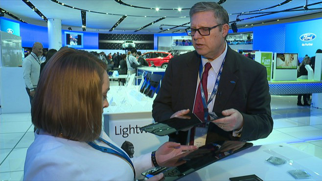 High-tech updates on display at Detroit auto show_64145