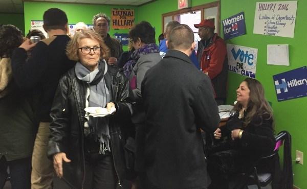 Clinton campaign headquarters opens in Niles_69991