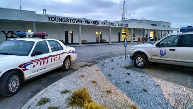 youngstown warren airport bomb squad_70090