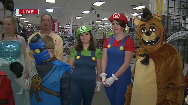 Daybreak Nation on Location_ Halloween Mania at Party On_95714