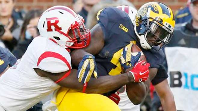 De'Veon Smith rushes for TD as No. 16 Michigan routs Rutgers 49-16_111530