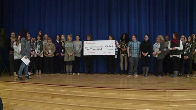 Burlington donates to Willard School_158251