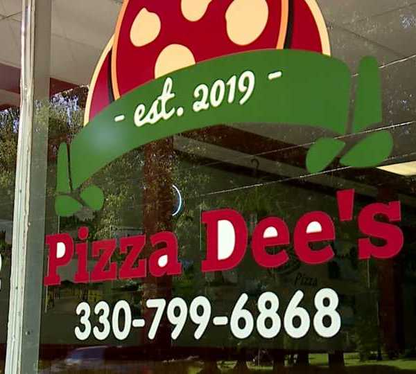 Window of Pizza Dee's in Youngstown.