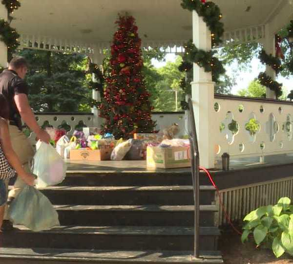 Christmas in July in Canfield