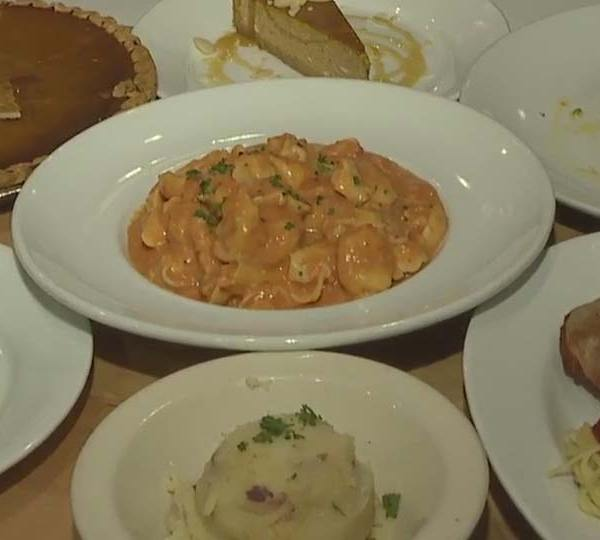 Daybreak Nation on Location: Thanksgiving at Cafe 422