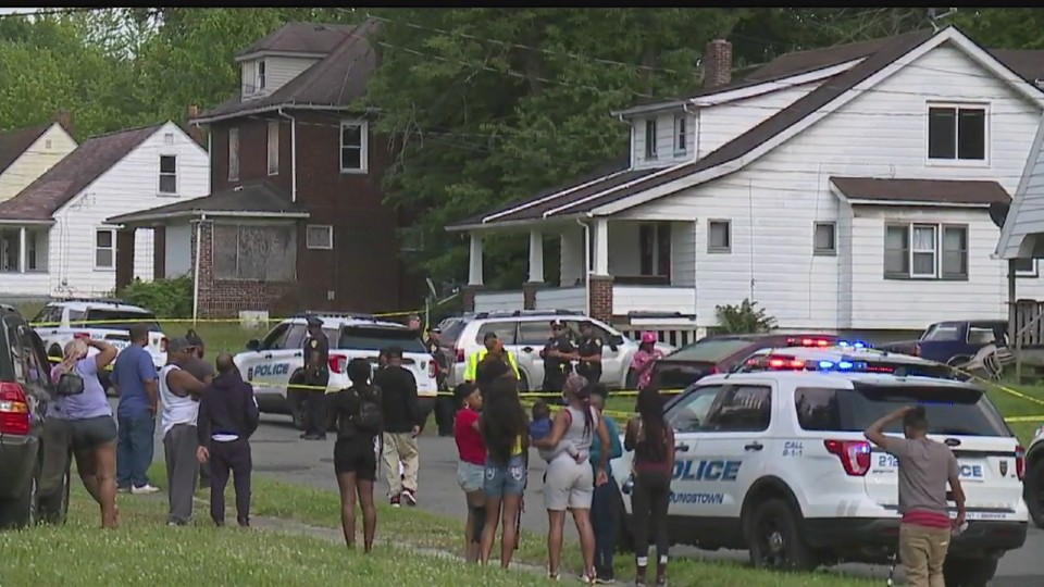 1 of 2 men shot on Youngstowns south side dies; city now