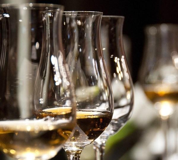 Wine glasses, alcohol