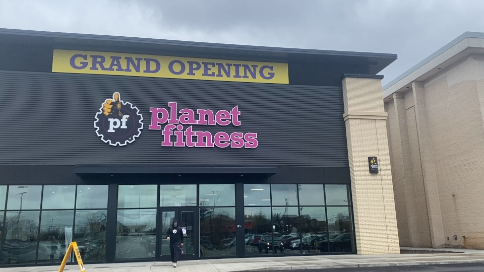Take A Look Inside New Planet Fitness At Southern Park Mall In Boardman